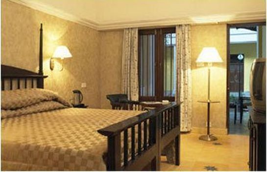 Room Royal Orchid Metropole