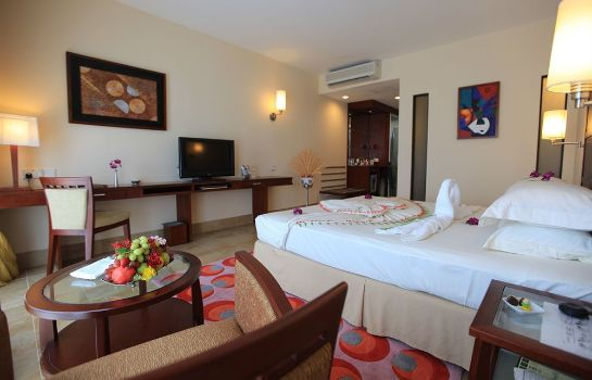 Single room (superior) Hulhule Island Hotel