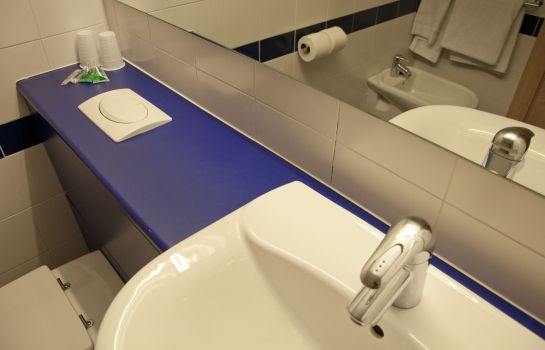 Bathroom Travelodge Madrid Torrelaguna