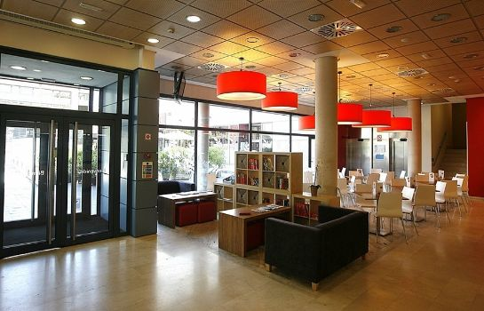 Lobby Travelodge Madrid Torrelaguna