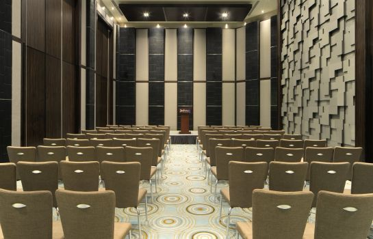 Conference room RADISSON BLU DUBAI MEDIA CITY