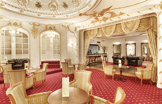 Vestíbulo del hotel Grand Royale London Hyde Park