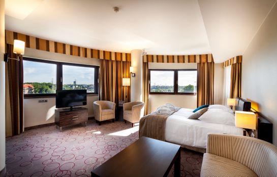 Hotel Qubus In Krakau Hotel De