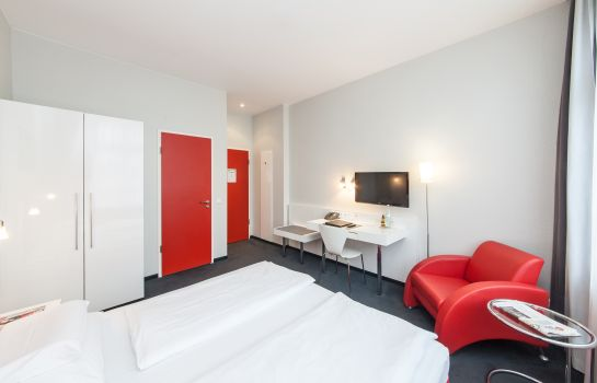 Double room (superior) Select Hotel Berlin Checkpoint Charlie