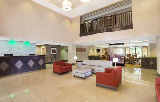 Lobby WINGATE BY WYNDHAM RALEIGH DUR