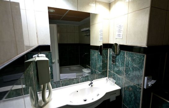 Bathroom Dacia RRT Hotel