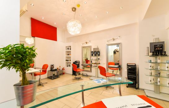 Beauty parlor Phoenicia Grand