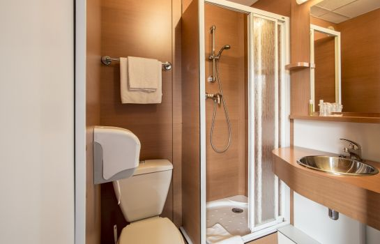 Bagno in camera Brit Hotel Rennes – Le Castel