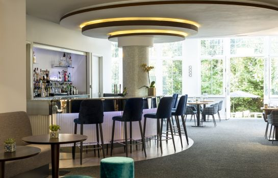 Bar hotelowy NH London Kensington