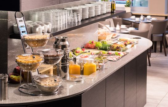 Breakfast buffet Munich Inn Design Hotel