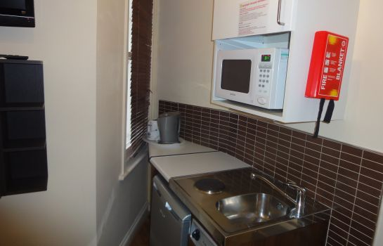 Kitchen in room Dylan Apartments Earls Court