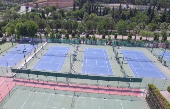 Campo de tennis Balcova Thermal