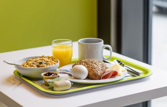 Breakfast buffet ibis budget Stuttgart City Nord