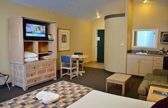 Room SKANEATELES SUITES