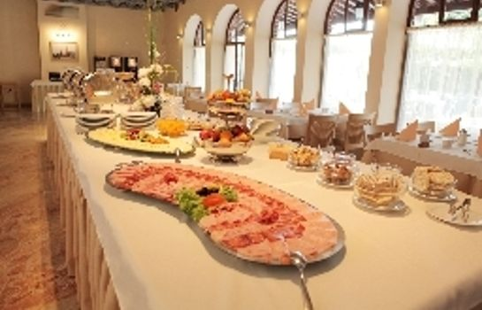 Breakfast buffet Villa Cedra