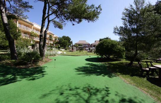 Campo de golf VIVA Suites & Spa Adults Only 16+