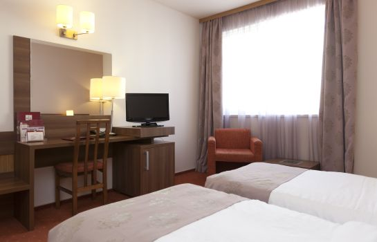 Chambre double (standard) RIN Airport