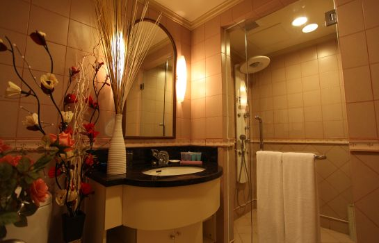 Bathroom Green Court Residence City Center Shanghai Former:Green Court Serviced Apartment People Square