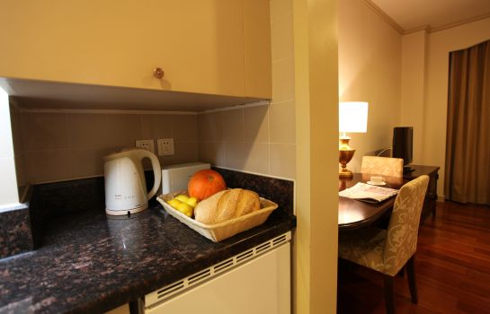 Cocina en la habitación Green Court Serviced Apartment People Square