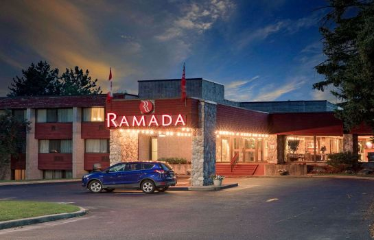 Exterior view Ramada Pinewood Park Resort North Bay