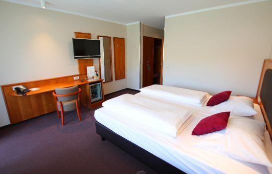 Hotel Straubs Schone Aussicht In Klingenberg Am Main Hotel De