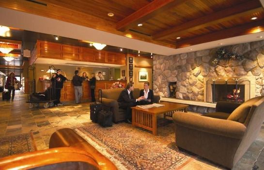 Lobby Ramada Pinewood Park Resort North Bay