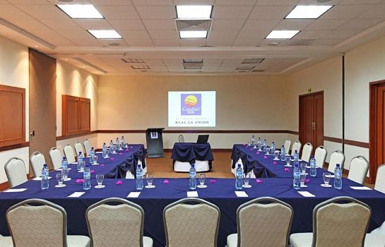 Conference room Comfort Inn Real La Union
