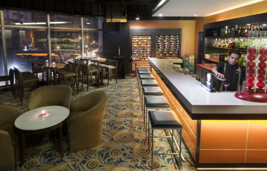 Hotelbar Crowne Plaza MANILA GALLERIA