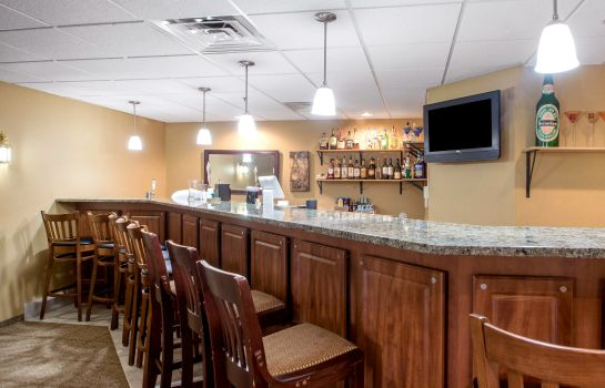 Bar del hotel Comfort Suites Johnson Creek Conference Center