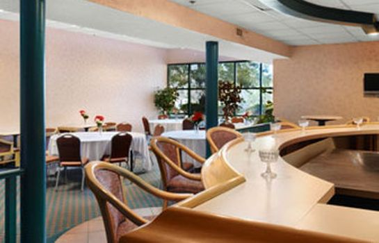 Restaurant DI AND SUITES SAVANNAH GATEWAY