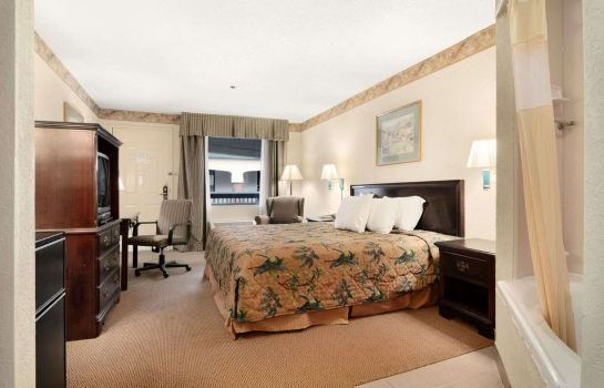Zimmer DI AND SUITES SAVANNAH GATEWAY