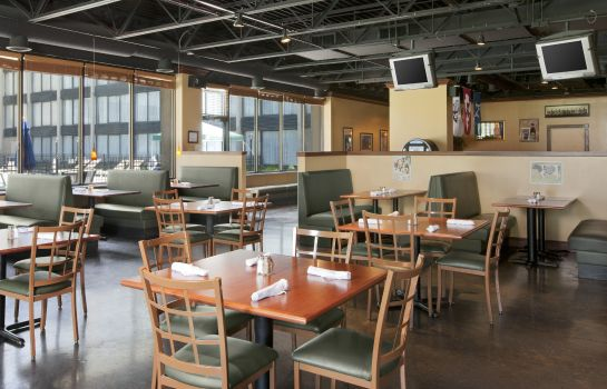 Restaurant Four Points by Sheraton Kansas City Airport