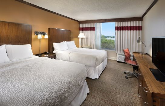 Zimmer Four Points by Sheraton Kansas City Airport