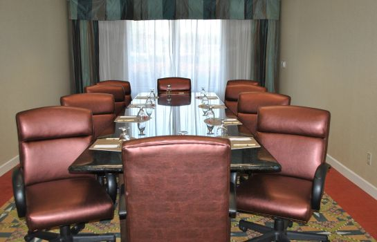 Conference room DoubleTree by Hilton Hotel Fayetteville