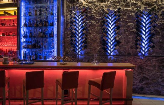 Hotel bar Avli Lounge Apartments