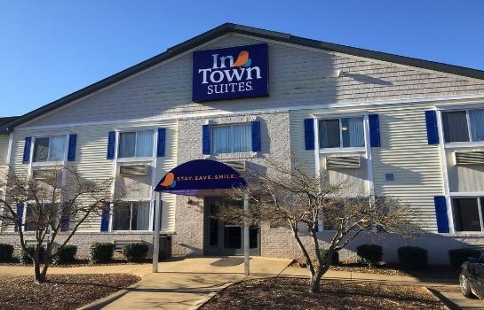 Exterior view InTown Suites Bowling Green