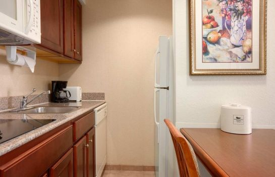 Hotel-Bar Homewood Suites by Hilton Edgewater (NYC Area) NJ