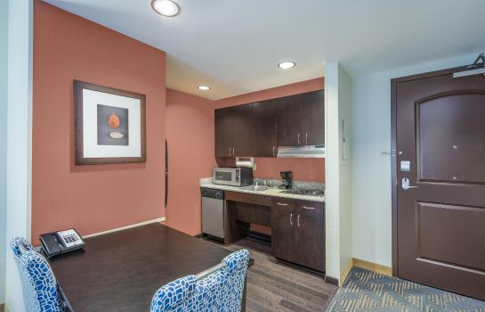 Hotel-Bar Homewood Suites by Hilton Louisville-East