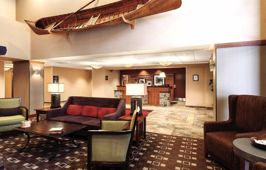 Hotelhalle Hampton Inn - Suites Lake George