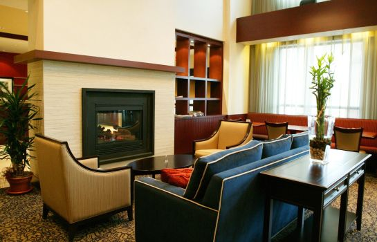 Hall de l'hôtel Hampton Inn - Suites by Hilton Laval