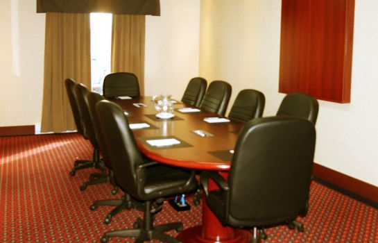 Conference room Hampton Inn - Suites by Hilton Laval
