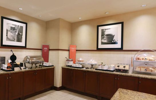 Room Hampton Inn - Suites by Hilton Laval