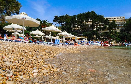Playa Akrotiri Beach Hotel