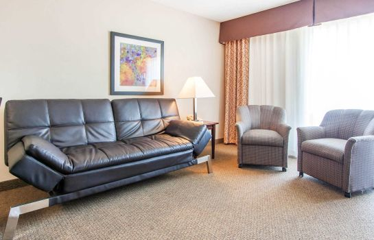 Suite Clarion Inn Surfrider Resort