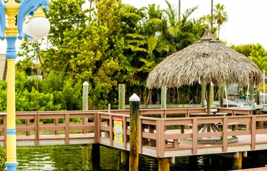Ambiente Bayview Plaza Waterfront Resort