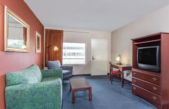 Suite KNIGHTS INN AND SUITES VIRGINI