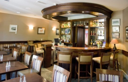 Hall Ahernes Townhouse & Seafood Bar