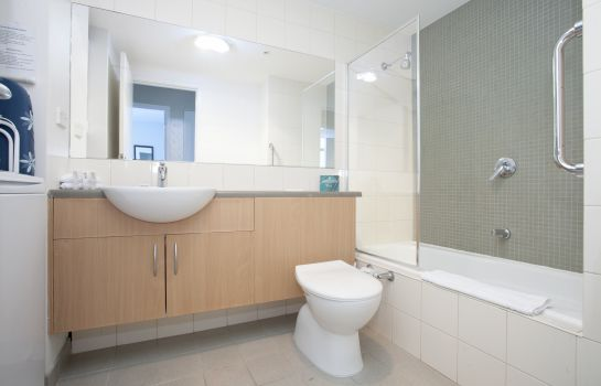 Cuarto de baño QUEST FLEMINGTON SERVICED APTS