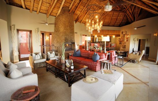 Hotel bar Thanda Safari