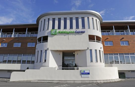 Buitenaanzicht Holiday Inn Express CREWE